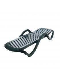 Chaise longue en plastique...